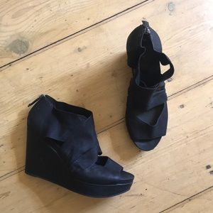 Eileen Fisher black leather wedges 9.5 Draw